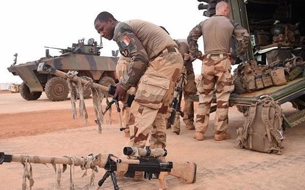 فرانسه 600 نظامی دیگر در آفریقا مستقر می نماید