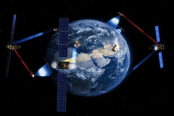 واگذاری ساخت 2 ماهواره راداری و اپتیکی به بخش خصوصی