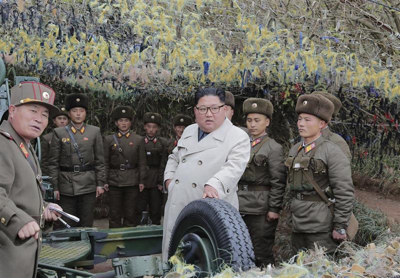 نظارت رهبر کره شمالی بر مانورهای نظامی در آستانه نشست مهم پارلمانی