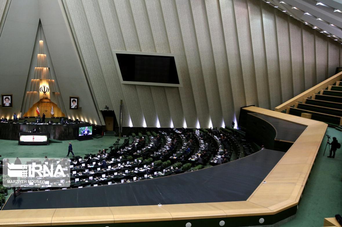 خبرنگاران مجلس یازدهم کاهش درامدهای دولت را مد نظر قرار دهد