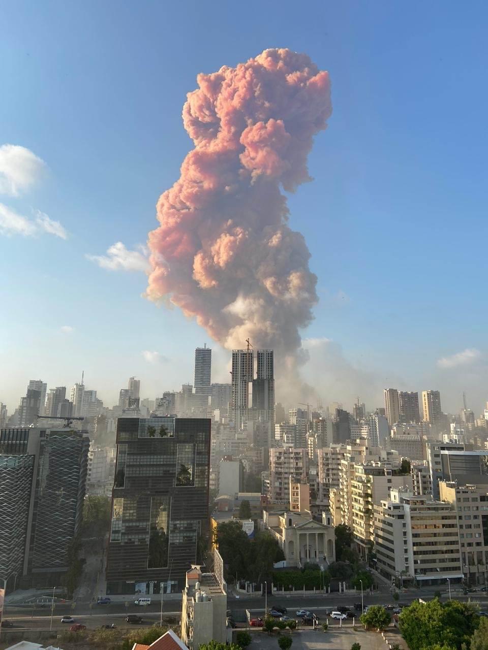 انفجار مهیب در بیروت، بیش از 30 کشته و 3000 زخمی، در لبنان عزای ملی اعلام شد، نخست وزیر لبنان: از مجازات عاملان نخواهیم گذشت