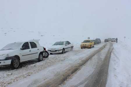 جاده های 9 استان تحت تاثیر برف و باران