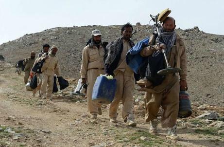 داعش مسئولیت حمله به مین روب های افغانستان را پذیرفت
